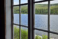 Sweden, Vilhelmina, View through window to lake Kultsjoen - BR000471