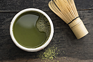 Green Matcha Tea in cup with Cha-sen - IPF000102