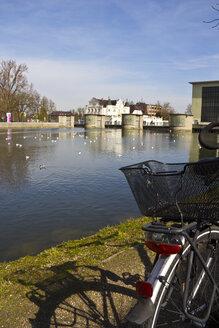 Germany, Bavaria, Landshut, Isar river, Maxwehr, bike - YFF000091