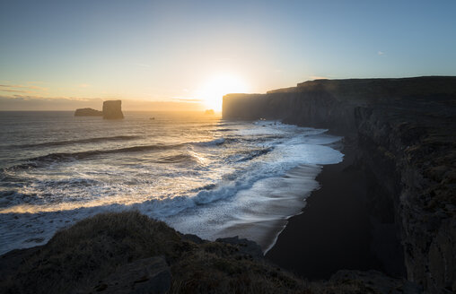 Iceland, Cliff near Dyrholaey - STCF000023