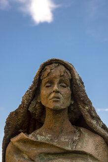Germany, Hesse, Ruedesheim, Statue Hildegard of Bingen - WG000277