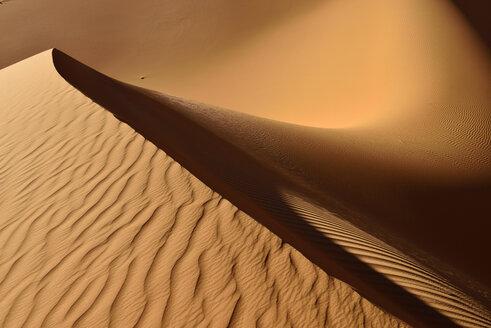 Algeria, Tassili n Ajjer, Sahara, sand ripples on a desert dune - ESF000993