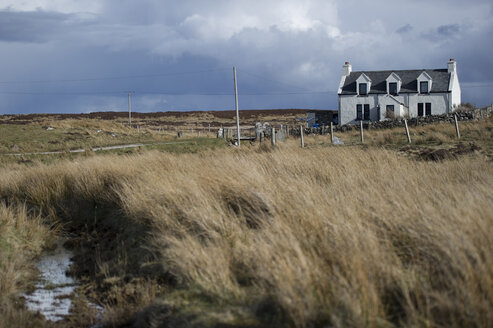 UK, Scotland, House on Isle of Skye - FDF000016