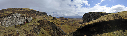 UK, Scotland, Hills on Isle of Skye - FDF000033
