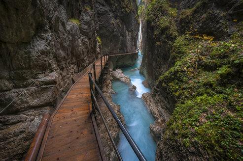 Germany, Bavaria, Leutasch Gorge near Mittenwald - RJ000107