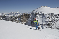 Italy, Dolomites, Val Gardena, Man backcountry skiing - FF001395