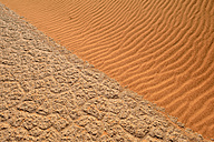 Algeria, Tassili n Ajjer, Sahara, salt and clay pan meets sand dune - ESF001015