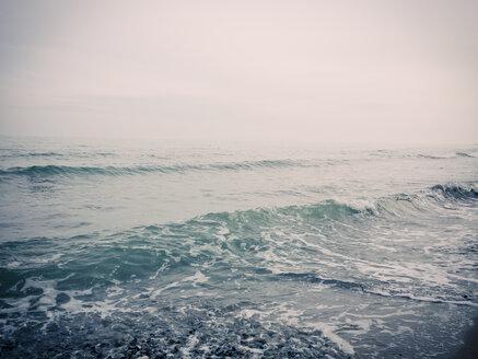 Ruegen, Baltic Sea, Mecklenburg-Vorpommern, Island, winter, Beach, sea - MJF001070