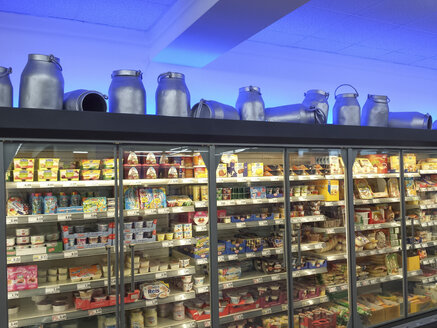 Milk cans, decorative, supermarket, milk, cheese, refrigerated - MJ001059