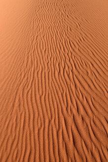 Algeria, Tassili n Ajjer, Sahara, sand ripples on a desert dune - ESF001025