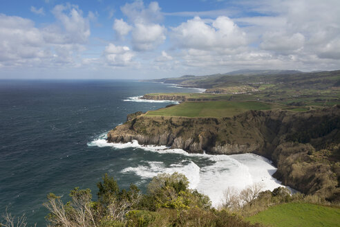 Portugal, Azores, Sao Miguel, Cliff line at Ferraria - ONF000518