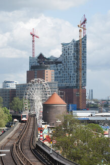 Germany, Hamburg, Elbe Philharmonic Hall and Ubersee bridge - CST000287