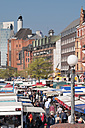 Germany, Hamburg, People at the Hamburg Fish market - CST000291