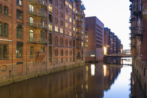 Germany, Hamburg, Warehouses at Wandrahmsfleet in Speicherstadt - MSF003849