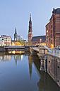 Germany, Hamburg, Bridge and church in Speicherstadt - MSF003846