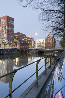 Germany, Hamburg, Old and new buildings in Speicherstadt and Hafencity - MSF003827