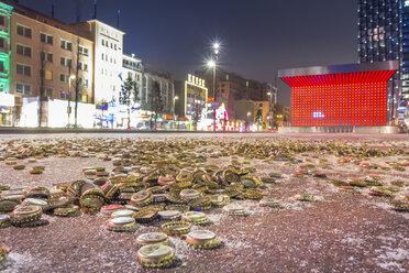 Germany, Hamburg, Hundrets of crown caps on the Spielbudenplatz, next to the Reeperbahn - NKF000096