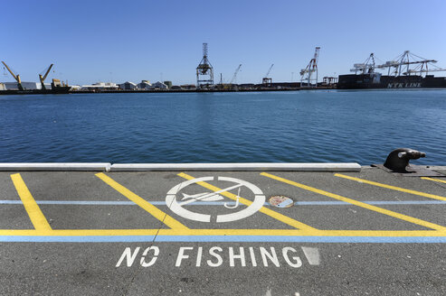 Australia, Perth, Fremantle, no fishing in the harbour - MIZ000504