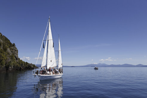 New Zealand, sailing on Lake Taupo - STD000057