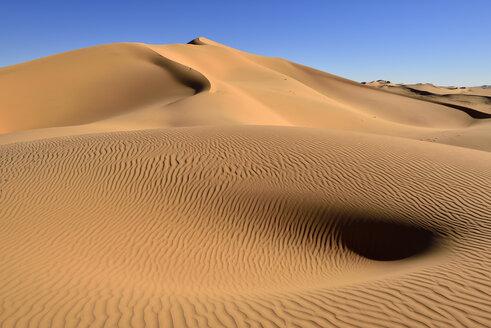 Algeria, Sahara, Tassili n' Ajjer,  desert dune of Erg Admer at Tassili n' Ajjer National Park - ES001083