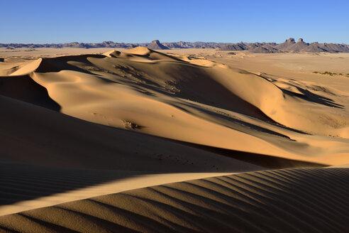 Algeria, Sahara, Tassili n' Ajjer,  desert dune of Erg Admer at Tassili n' Ajjer National Park - ES001084