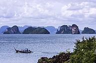 Thailand, Ko Yao Noi, Rock islands and fishing boat in Andaman Sea - THAF000331