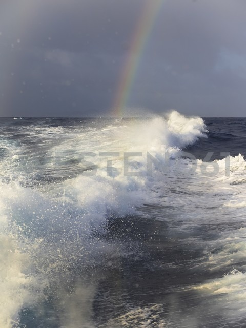 Caribbean, Martinique, Waves and rainbw above the ocean - AMF002226