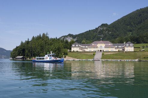 Austria, Salzkammergut, Salzburg State, Lake Wolfgangsee, Ried am Wolfgangsee, Ferienhort - WW003269
