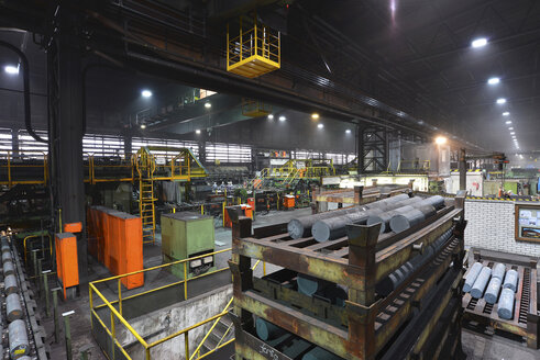 Interior of a tube rolling mill - SCH000181