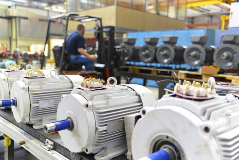 Electric motor production in a factory - SCH000206