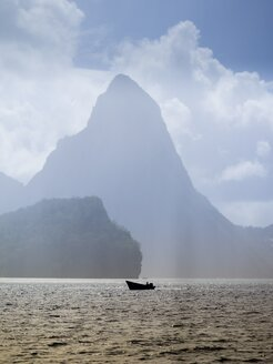 Caribbean, St. Lucia, View on volcanoes Gros Piton and Petit Piton - AMF002246