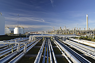 Germany, chemical industry, pipes in oil refinery - SCH000219