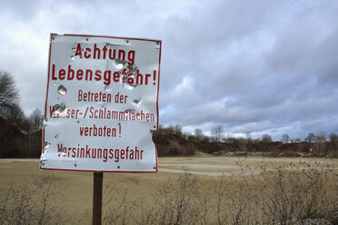 Germany, Bavaria, Riem, Sign, Caution danger of life, Keep off - AXF000665