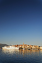 Croatia, Dubrovnik-Neretva, Korcula Island, Korcula, Cityscape and harbour in the evening - GF000492