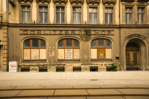 Germany, Saxony, Goerlitz, part of facade of abandoned hotel - WG000296