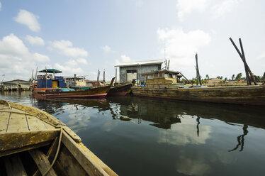 Indonesia, Riau Islands, Bintan Island, Fishing village, Fishing boats - THAF000398