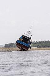 Indonesia, Riau Islands, Bintan Island, Fishing boat, Ebb - THAF000406