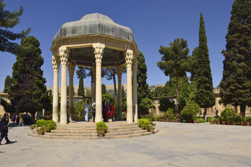 Iran, Fars, Shiraz, Mausoleum of the Persian poet Hafez, Khwaja Samsu d-Din Muhammad Hafez-e Sirazi - ES001150