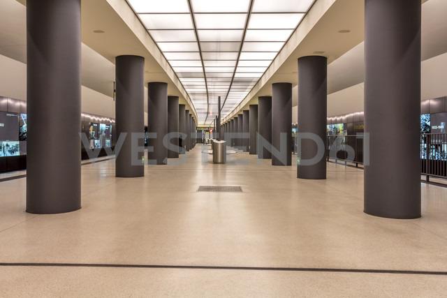 Germany, Berlin, modern architecture of  subway station Brandenburger Tor - NKF000113 - Stefan Kunert/Westend61