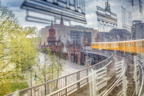 Germany, Berlin, view out of a subway train crossing the Oberbaumbruecke - NKF000114