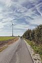 Germany, North Rhine-Westphalia, Family bikong near Raestrup - MEMF000036