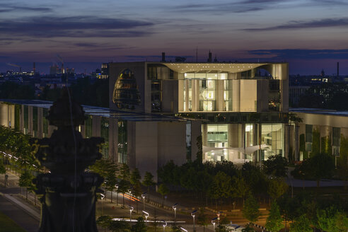 Germany, Berlin, Chancellery  at night - HHE000100