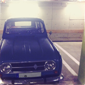 Classic car, Renault R4, parked in a public garage, Hamburg, Germany - SE000695
