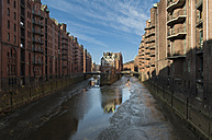 Germany, Hamburg, view to Wandrahmsfleet at old warehouse district - RJF000161
