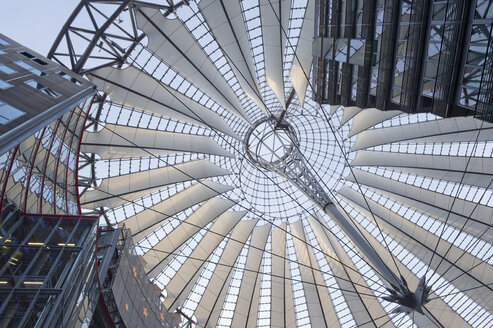Germany, Berlin, roof of Sony Center at Potsdamer Platz, view from below - AS005385