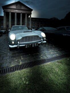Parking Aston Martin DB 5 with lighted headlights - AM002270
