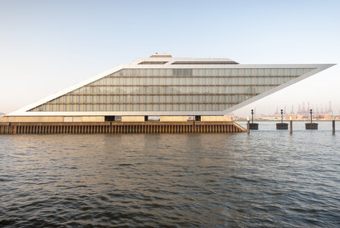 Germany, Hamburg, Dockland, Office building - RJ000171