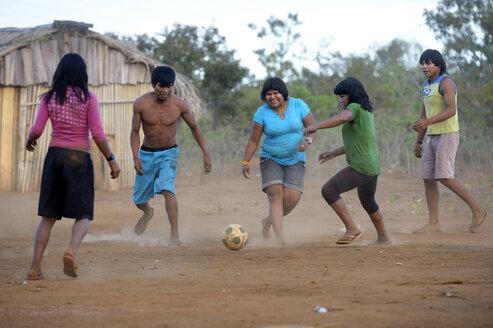 Brasilia, Mato Grosso, Primavera do Leste, Tres Rios, Xavantes-Amerindians, Teens playing football - FLK000187