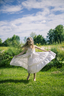 Girl in white summer dress on meadow - SARF000680
