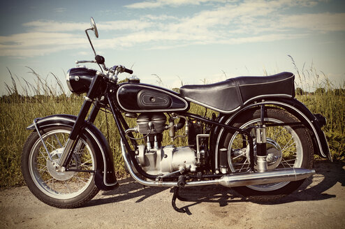 Germany, North Rhine-Westphalia, BMW Oldtimer, Old motorbike - HOHF000829